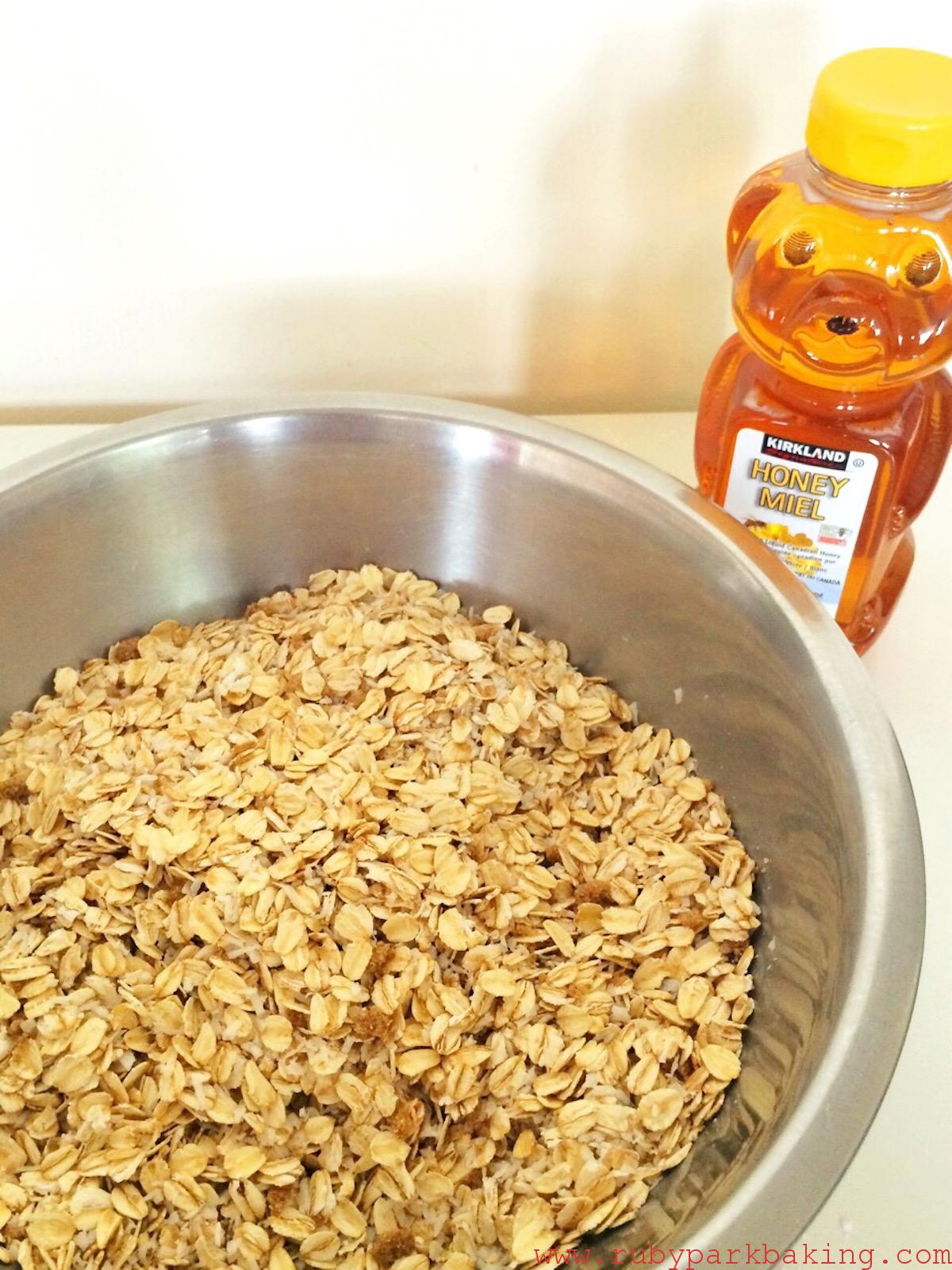 Coconut Honey Granola on rubyparkbaking.com