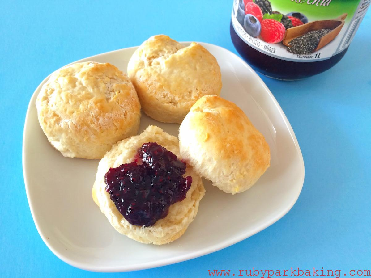 5 ingredients coconut oil scones on rubyparkbaking.com