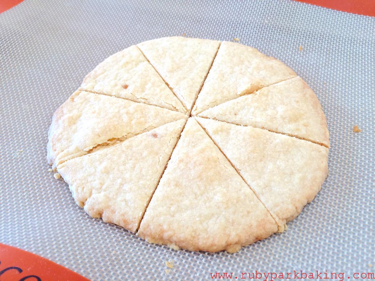 材料3つ!ほんのり甘いブラウンシュガーのショートブレッドクッキーの作り方♪