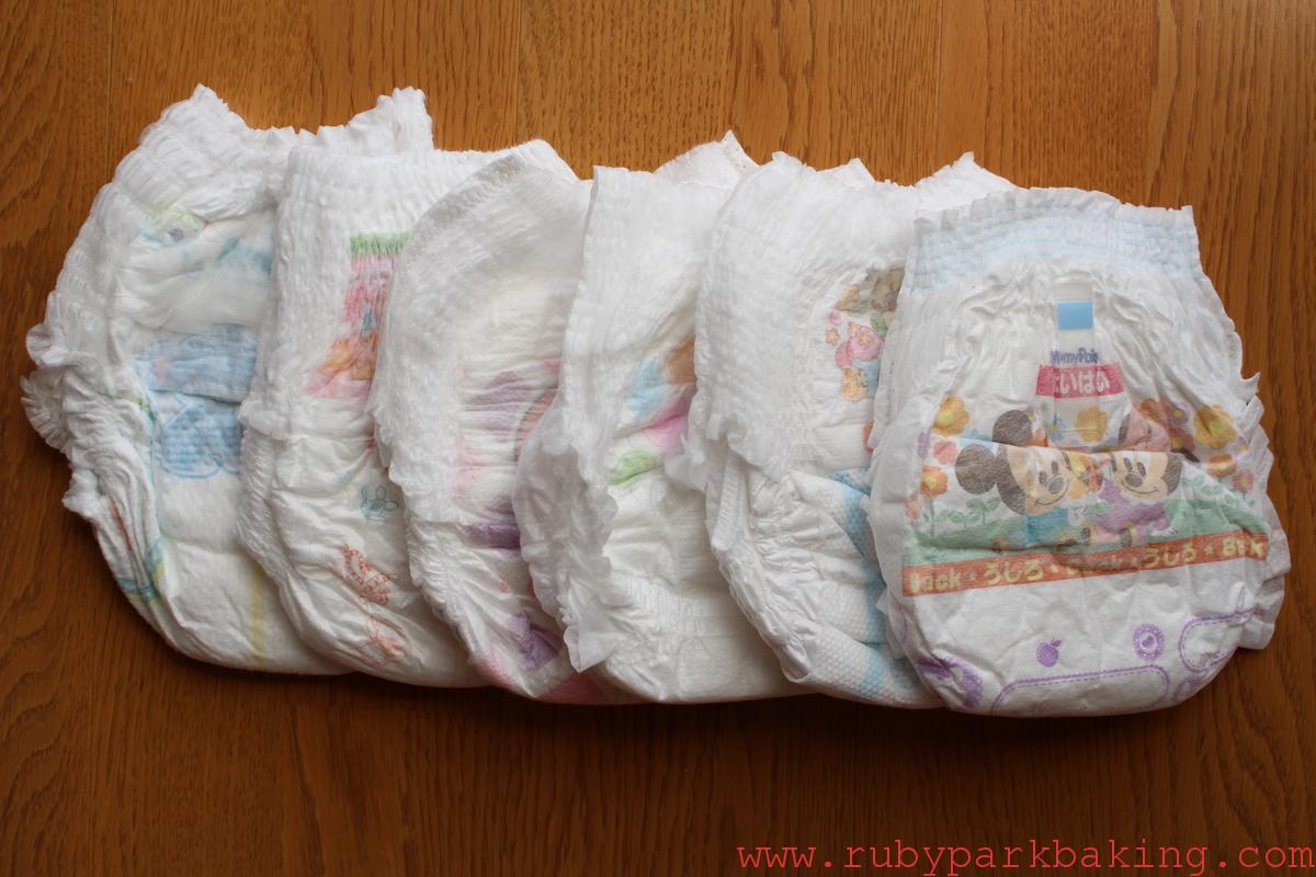 日本のパンツ型おむつ比較!寝返り、はいはいし始めたらパンツタイプがおすすめ♪