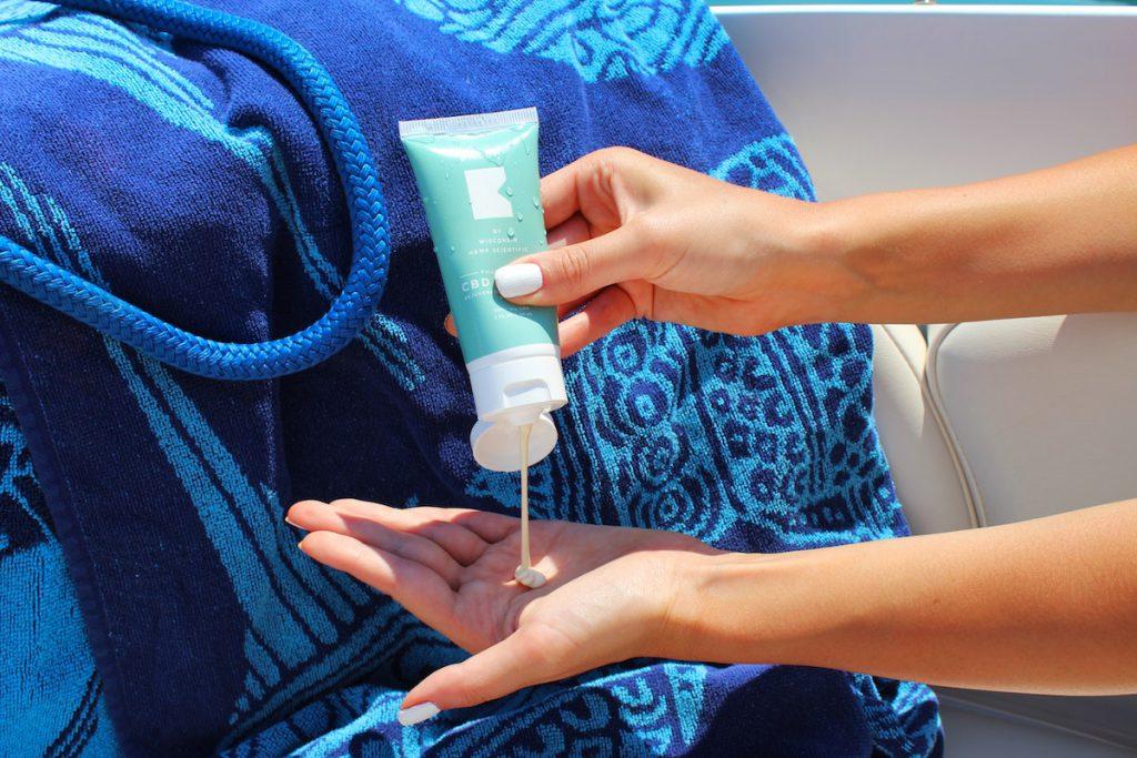 【お湯で流せるタイプも】赤ちゃんでも使えるおすすめの日焼け止め3選【実際に使ってます】