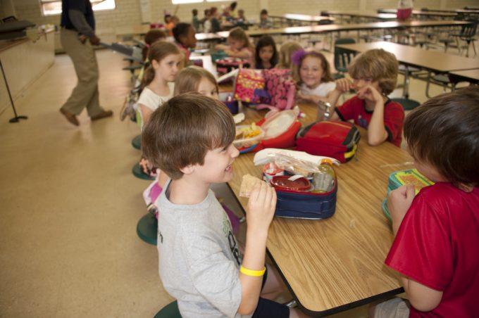 【カナダ幼稚園】キンダーガーテンの入園準備に必要なものは?実際に用意したものを紹介します【持ち物】