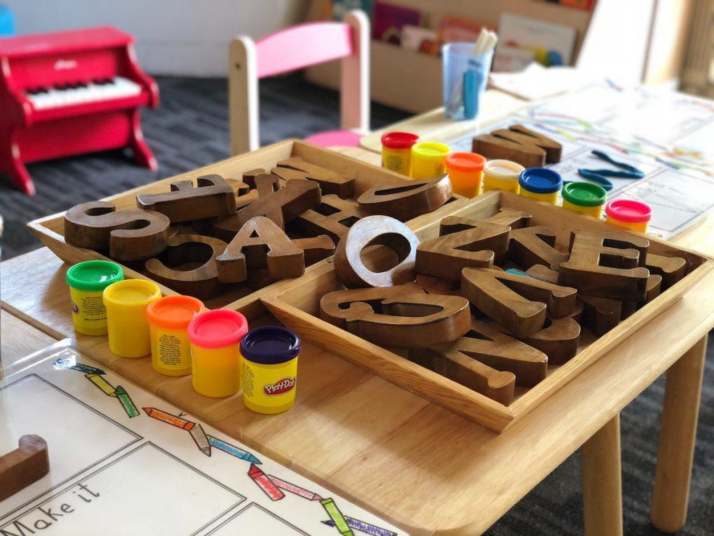 【幼児英語教育】バイリンガル4歳児の言葉の発達は?3か国語だとけっこう大変かもしれない